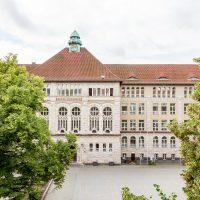 Schulhaus 2017 (nach der Fassadenreinigung)